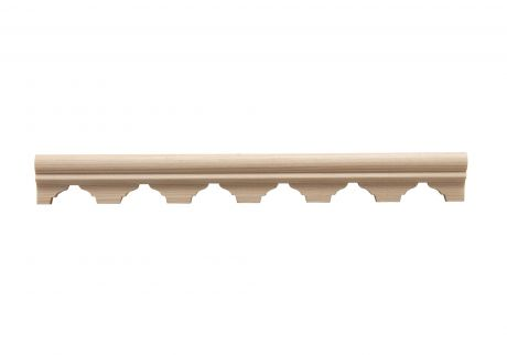 Scalloped wood moulding