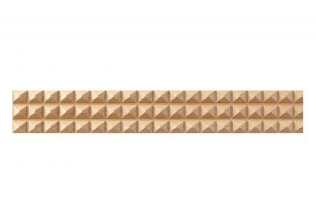 Diamond cross cut wood moulding