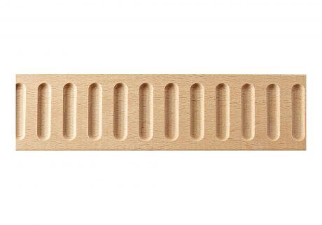 Flat fluted wood moulding